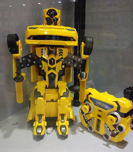Transformer car – سيارة تتحول الى رجل الي